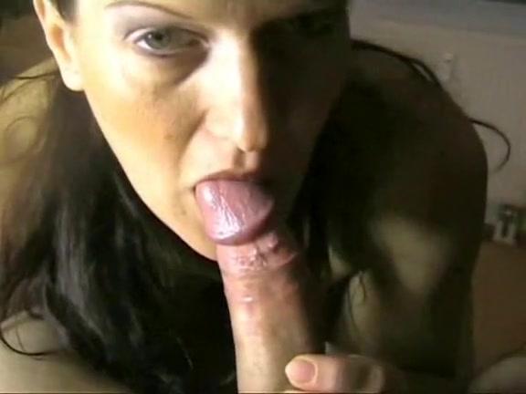 Sexy peach deepthroats dick and swallows his jizz Hot sexy latina pics