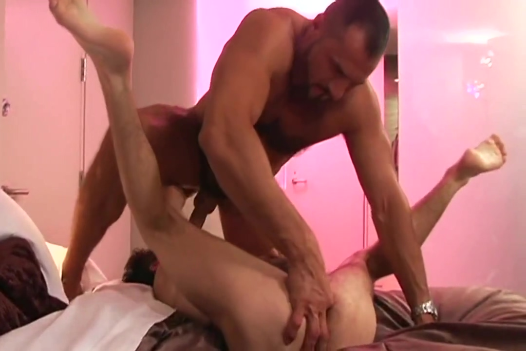 Zack Arpad Adult and nude thanksgiving