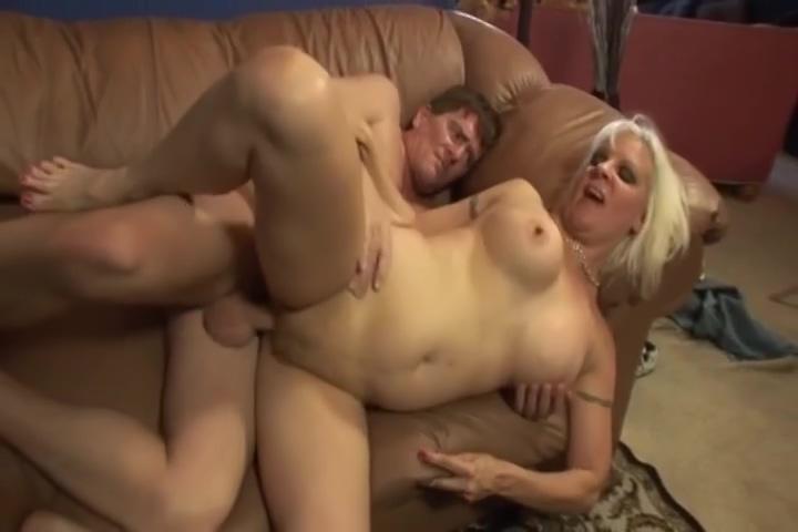 Blonde Mama Is Sucking And Fucking A Fat Dick Lisa sparxxs bukkake