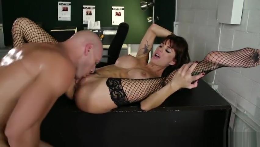 Racy buxomy Haley Wilde is sucking penis