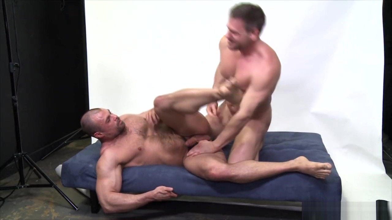 Bareback Phoshoot For Hans Berlin - MenOver30 Straight jack off buddies