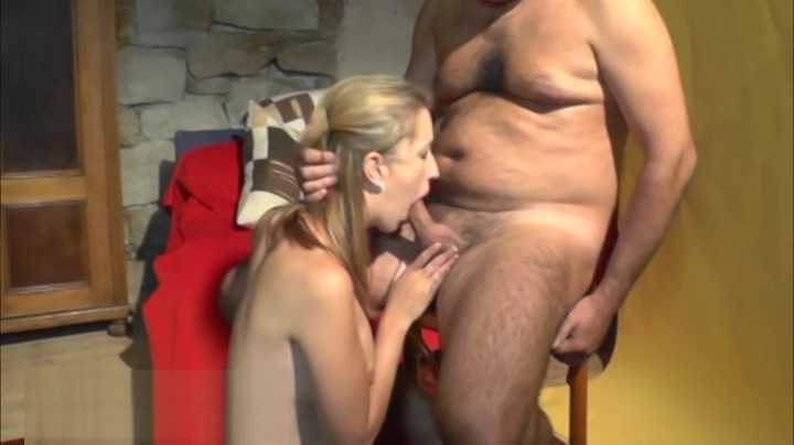 Honey hussy on real homemade porn video Cosma shiva hagen