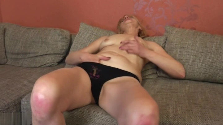 Snazzy experienced female masturbate on camera Black girls naked pussey fuck