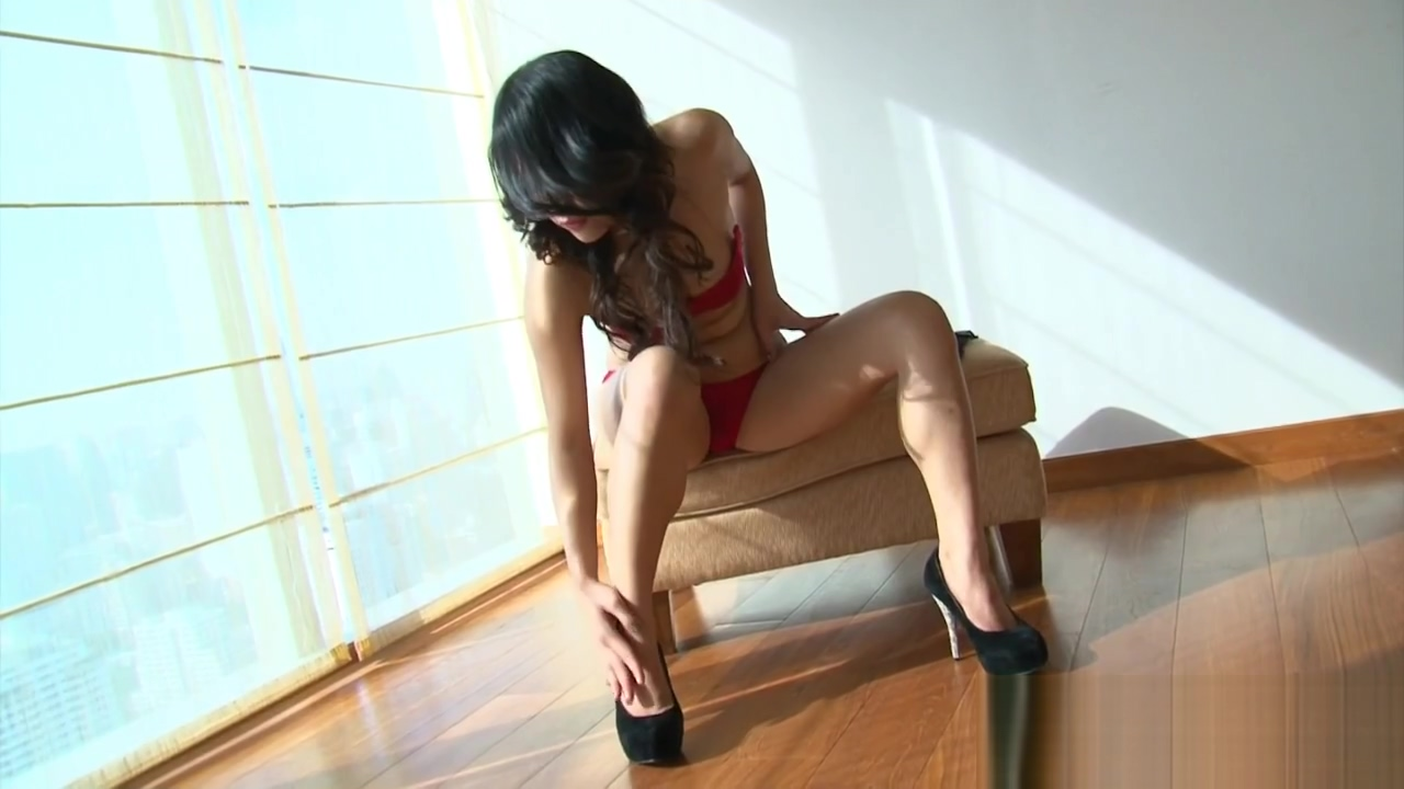 Asian Vixen Bow Solo Super sexy milf videos