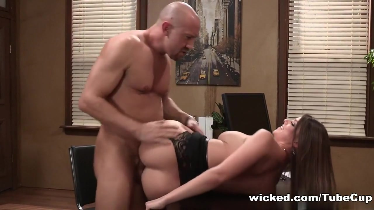 Odd Jobs - Scene 5 Sex with a vagina