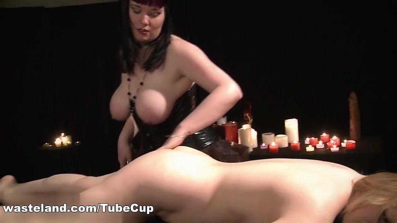 Lesbien sex orgies Piercings