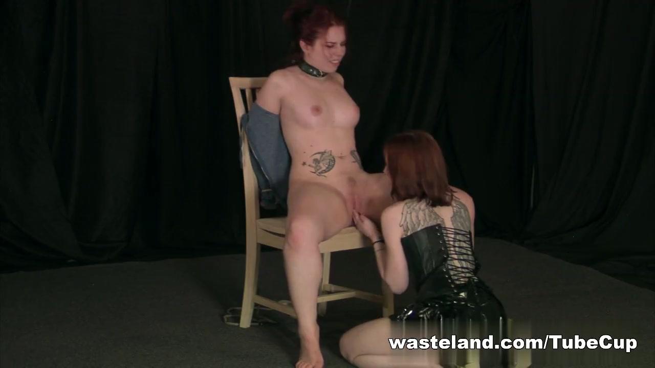 Women giving footjobs like do
