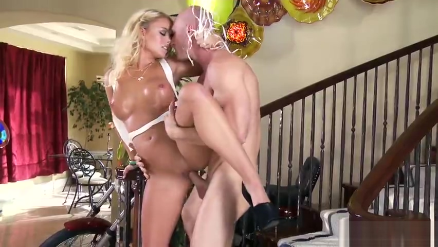 Delightful blond youthful slut Alexis Monroe in wild hardcore drilling ass sit face video