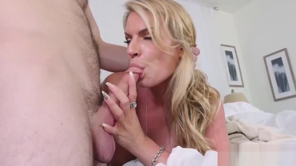 Daddy we cant do this xxx Dont Sleep On Stepmom Natural tits african teems