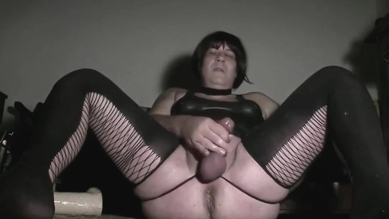 bd jerkoff11 sexy solo girl fucks herself