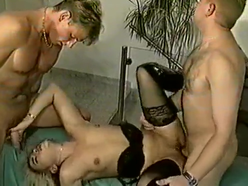 Teil 2 von : Eine schreckliche geile Familie mit Tiziana Redford aka. GINA COLANY jessica jaymes jaclyn taylor munching each others juicy asses pussies 2