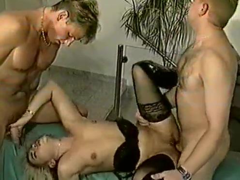 Teil 2 von : Eine schreckliche geile Familie mit Tiziana Redford aka. GINA COLANY fake nude jessica biel