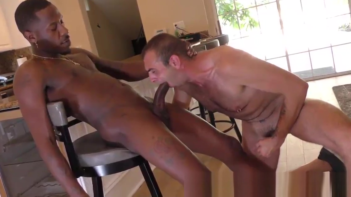 Dude swallows bbc jizz hues asses in tight jeans