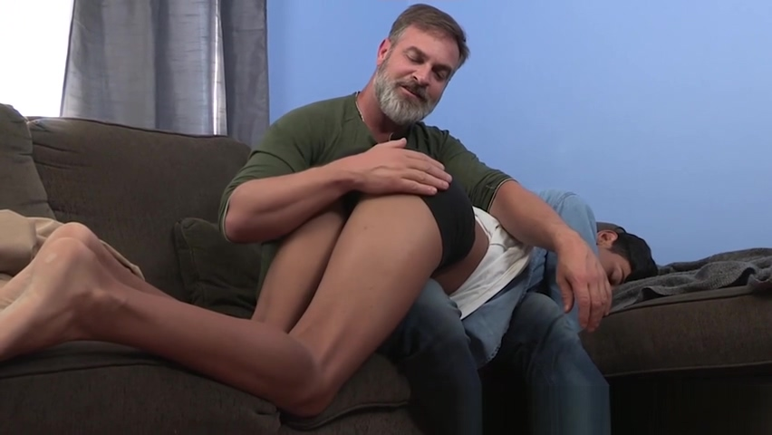 Bearded stepdad with glasses ass fucks young Latin twink Looking for a frienship and possibly more in Belize City