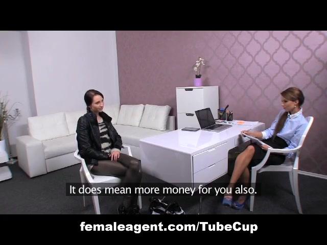 Videoo licking Lesbianj porn