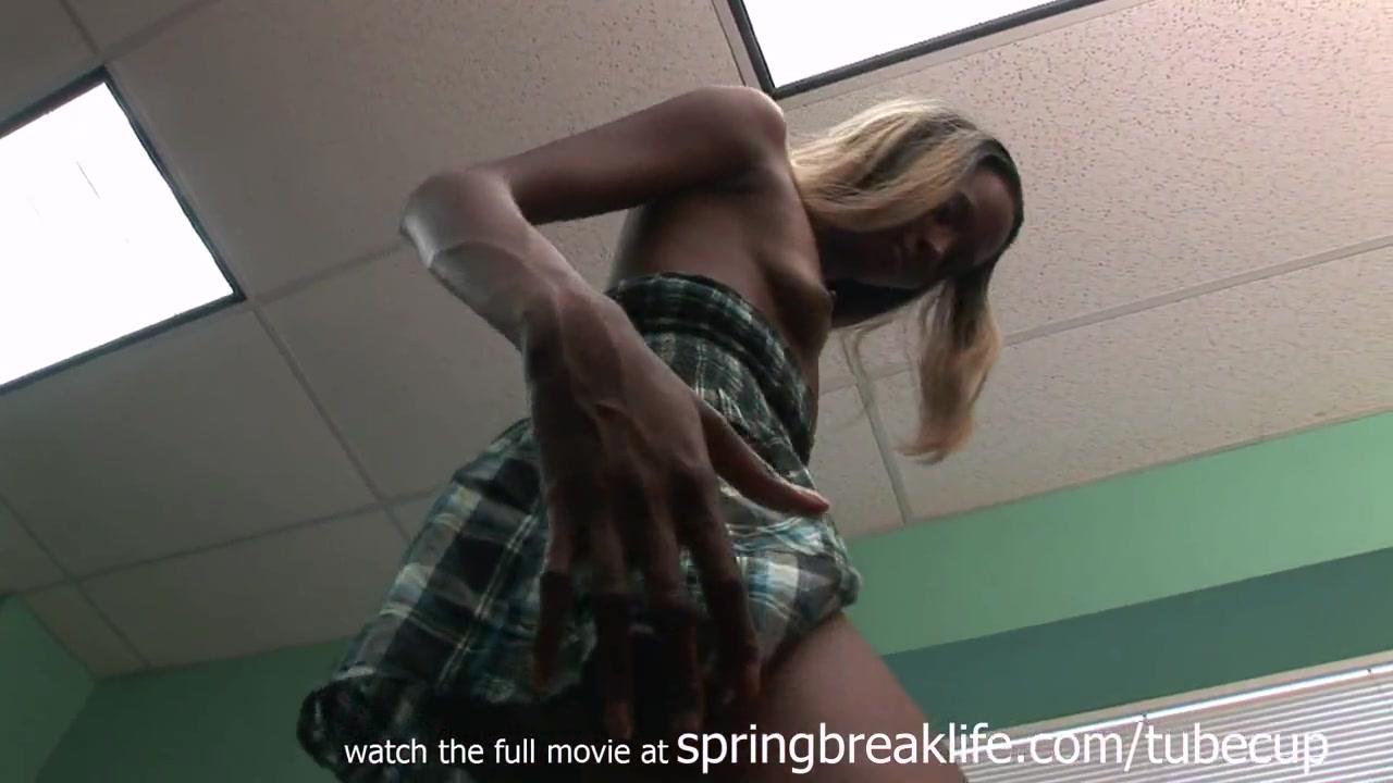 SpringBreakLife Video: Naked Ebony Booty Shake Im looking some good head in El Arish