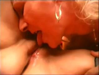 Vidow Lesbiyan xxx masturbatian