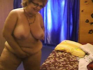 Granny on Web Camera R20