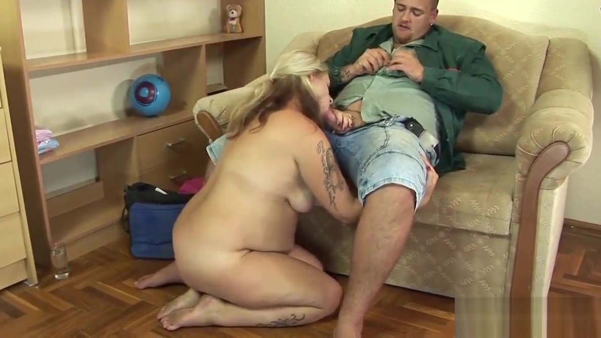 Blonde pregnant chick getting licked and fucked-