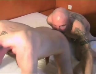 Kinky gay guy licks a sexy arse and masturbates rough big pawg booty porn