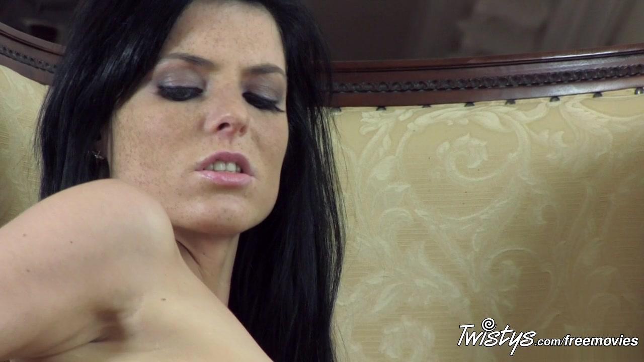 TwistysNetwork Video: Naughty Eileen Wwe diva lita naked