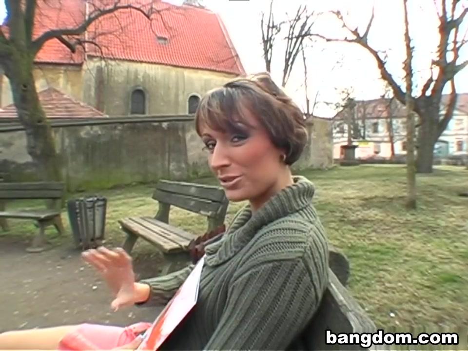 Sucking cock video girl