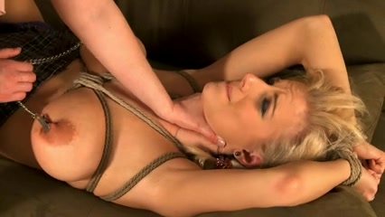 Having sexy sex mom
