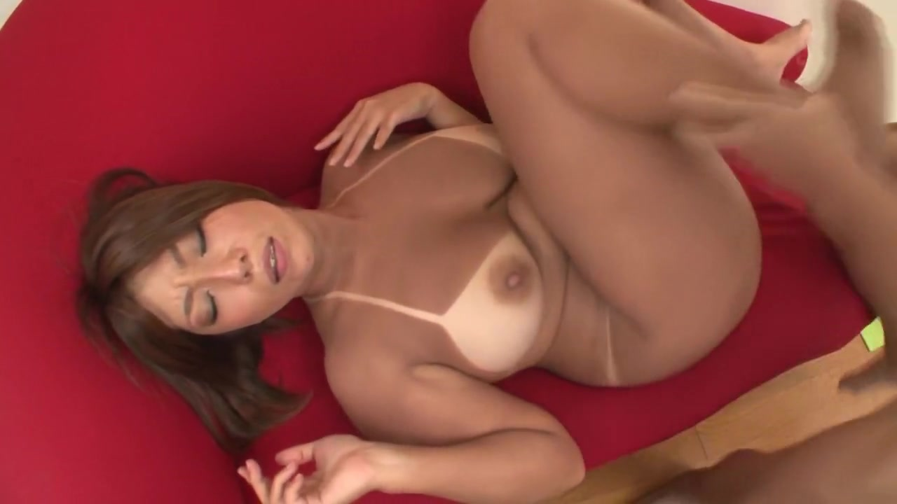 Wild Bitch Tits Naho Hazuki After Sunburn Is Dazzling Busty blondes fingering themselves vidio