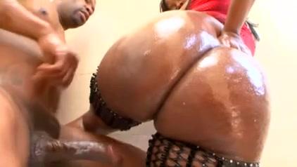 Ebon Butt Act In The Bath