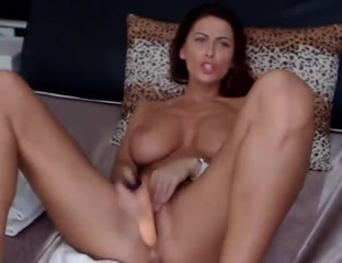 Busty Brunette fucks herself on cam Porn Massage Nude