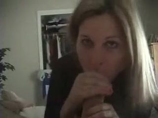 hot lesbian seducing women porn