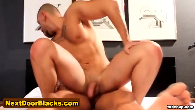 Black dude fucked and cummed on Sex girl phato