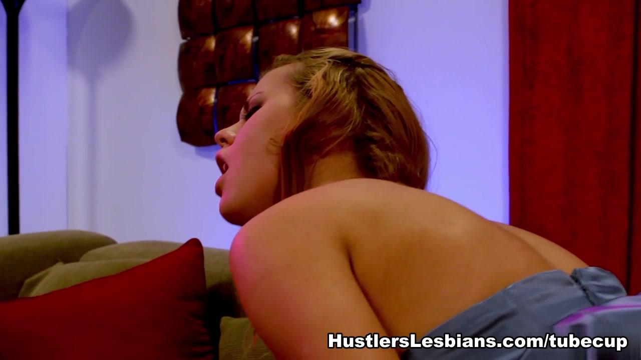 Lesbiana orgasam Booby close