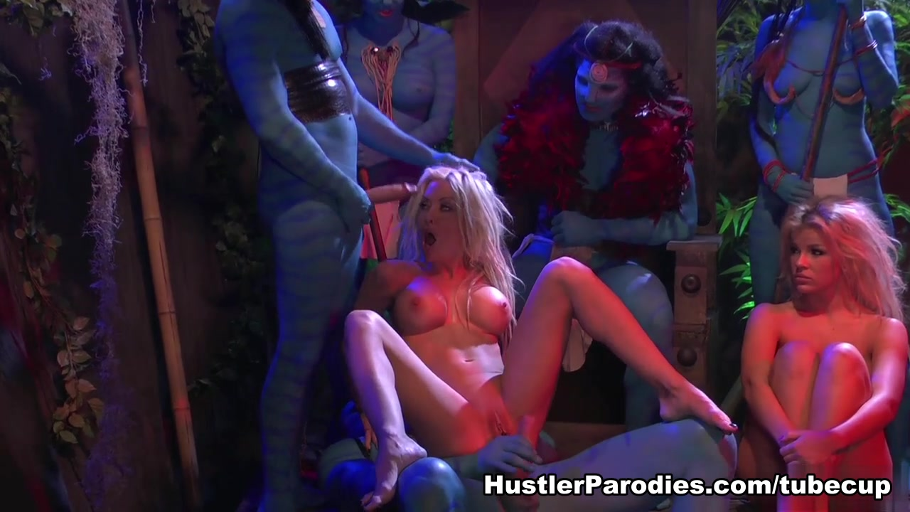 Helly Hellfire in This Aint Avatar XXX #2: Escape from Pandwhora free sex videos sweden