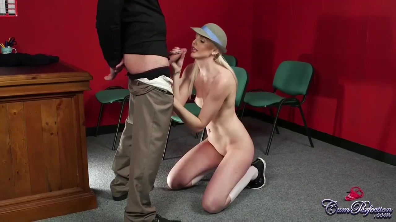 Sweet blonde is happy to get it all