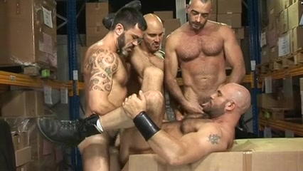 So Unshaved So Hung So Manly Foursome Xxx Six Mom