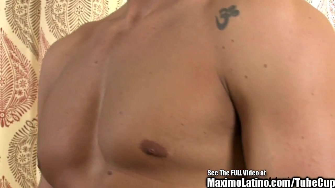 Handsome Latin Italian Strokes His Cock Blowjob livestream online