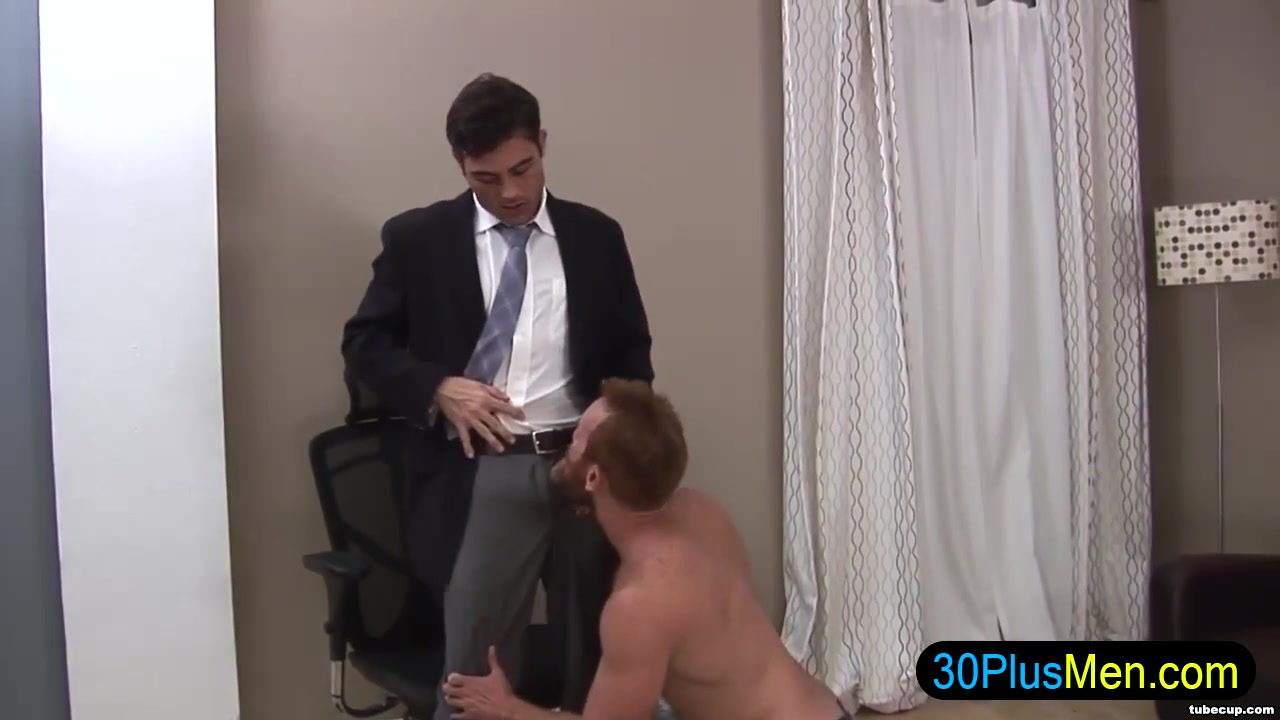 Hot gay hunk gets cock sucked hewitt jennifer love nude photo
