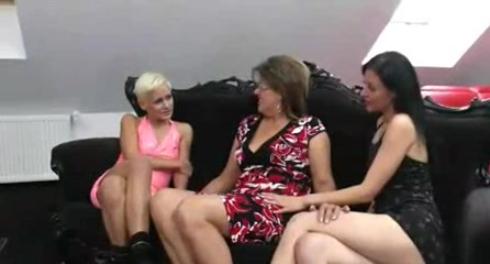 Videos babes sexy naked