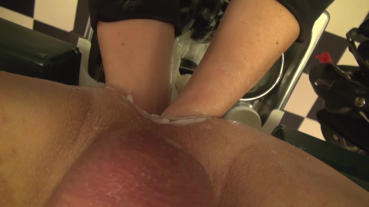 Giant speculum, fist, double fist, giant toy, nurse, doctor Anal fisted beauty licking lovers pussy