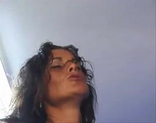 Hitch woman fucks trailer