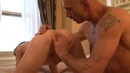 Twink has sex with a gay sugardaddy porn no download free