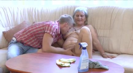 Granny gets massage vagina Amateur vaginal cum shot