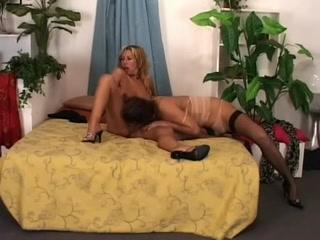 Sexy orgu bisexual Lesbias