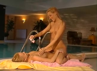 Naked Lesbianin vidos sexe