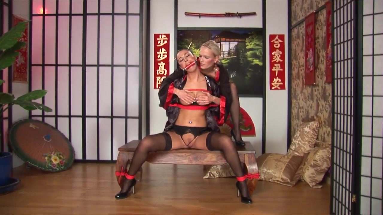 Orgasm sexo Shows lesbion
