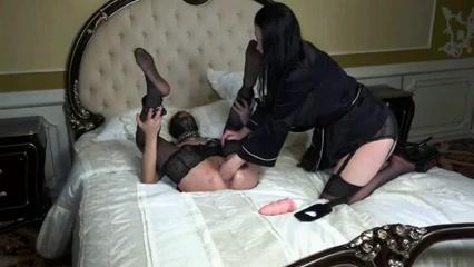 Sluty Peeing orgies lesbios