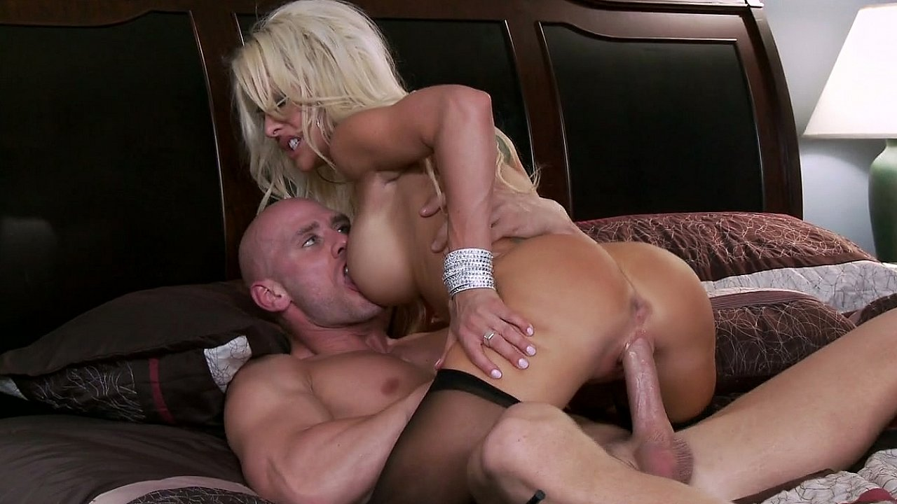 Busty blonde Pornstar Helly Mae Hellfire Rachel spence amateur hawaii