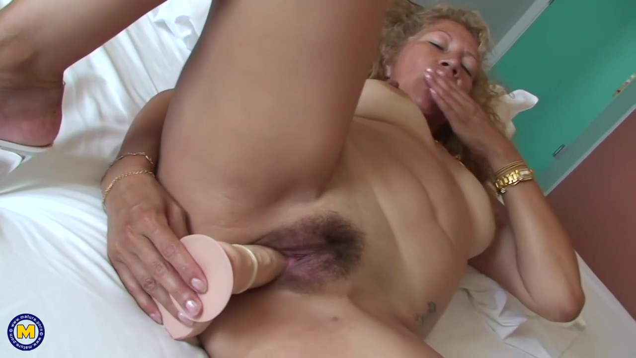 Dirty Diana Is A Horny Mature Nympho
