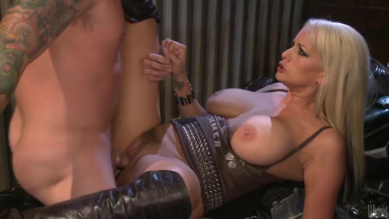 Stormy Daniels fucked hard on a bike Sexiest zelda porn